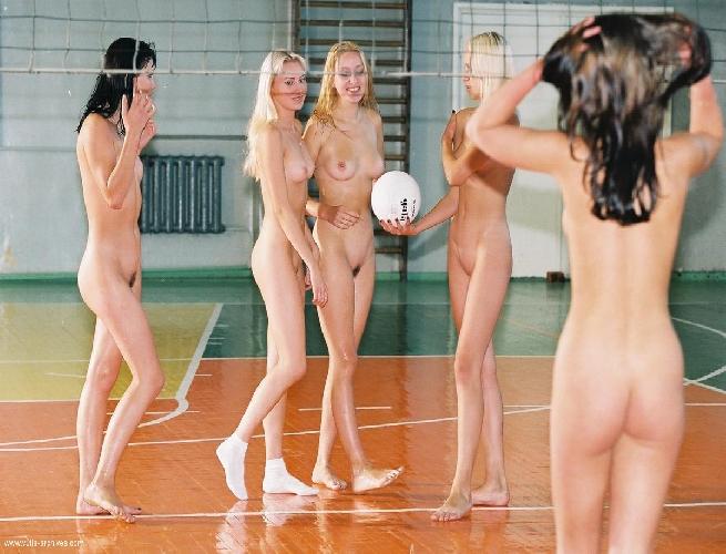 golie-sport-devushki
